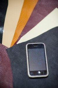 iPhone leather case レザーケースの写真